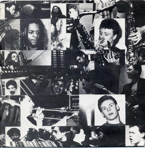 Cover UB 40* - Don't Walk On The Grass (7, Single) Schallplatten Ankauf