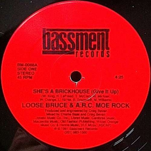Cover zu Loose Bruce & A.R.C. Moe Rock - She's A Brickhouse (Give It Up) (12) Schallplatten Ankauf