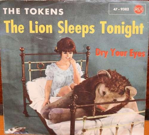 Bild The Tokens - The Lion Sleeps Tonight (7, Single) Schallplatten Ankauf