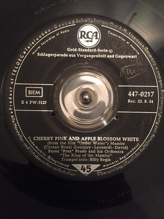 Cover Perez Prez Prado And His Orchestra* - Cherry Pink And Apple Blossom White / St. Louis Blues Mambo (7, Single) Schallplatten Ankauf