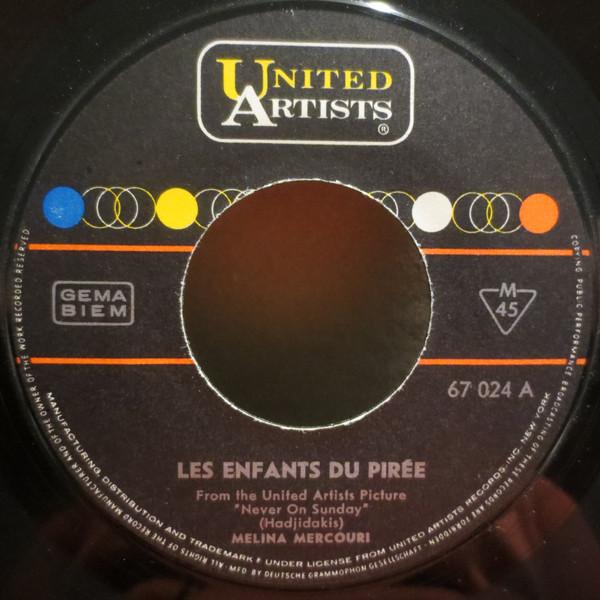 Cover Melina Mercouri / Manos Hadjidakis And His Orchestra - Les Enfants Du Pirée / Never On Sunday (7, Single) Schallplatten Ankauf