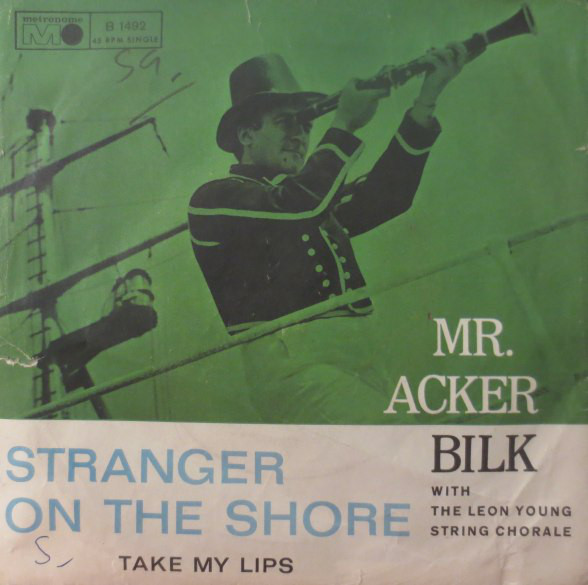 Cover Mr. Acker Bilk* With The Leon Young String Chorale - Stranger On The Shore (7, Single) Schallplatten Ankauf