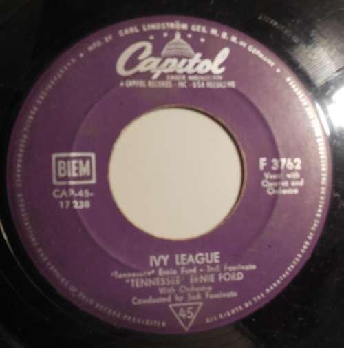 Bild Tennessee Ernie Ford* - In The Middle Of An Island / Ivy League (7, Single) Schallplatten Ankauf
