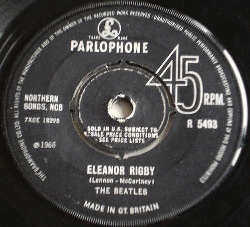 Bild The Beatles - Eleanor Rigby / Yellow Submarine (7, Single) Schallplatten Ankauf