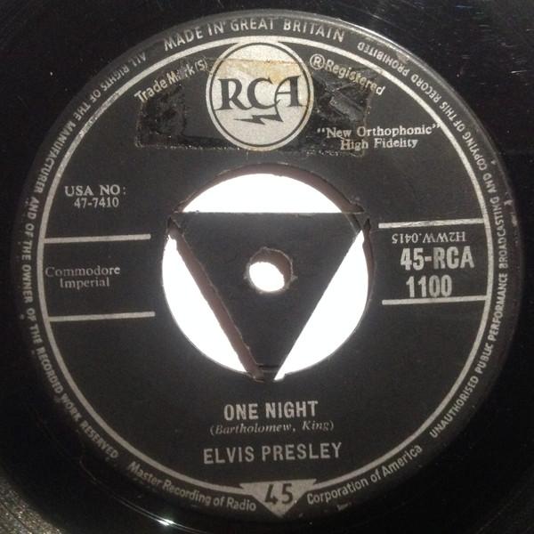 Cover Elvis Presley - One Night / I Got Stung (7, Single, Tri) Schallplatten Ankauf